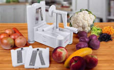 Tri-Blade Vegetable and Fruit Peeler