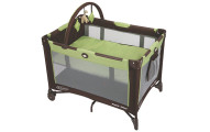 Graco Pack 'n Play On The Go Playard in Go Green