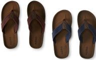 Aeropostale Men's Solid Canvas Flip-flops