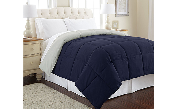 Amrapur Overseas Quilted Reversible Comforter